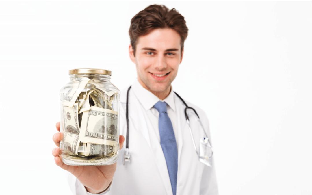 ¿Ser médico especialista en Colombia es un buen negocio?