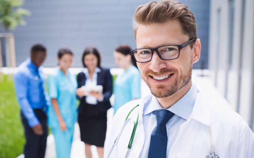 ¿Cómo elegir una especialidad médica? 5 pasos para tomar la mejor decisión