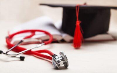 ¿Tienes un título extranjero y quieres hacer tu especialización en Colombia?, te contamos cómo hacerlo